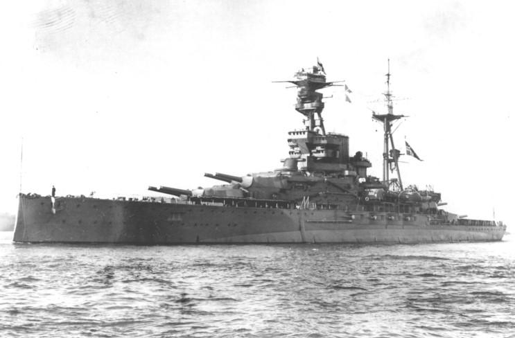 HMS_Royal_Oak_1938_001.jpg