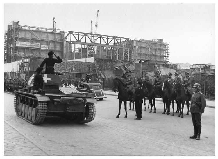 Panzerkampfwagen II Ausf. C az 1939. október 5-i varsói díszszemlén