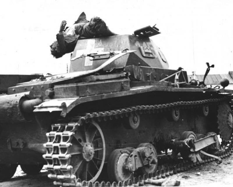 Kilőtt Panzerkampfwagen II Ausf. b