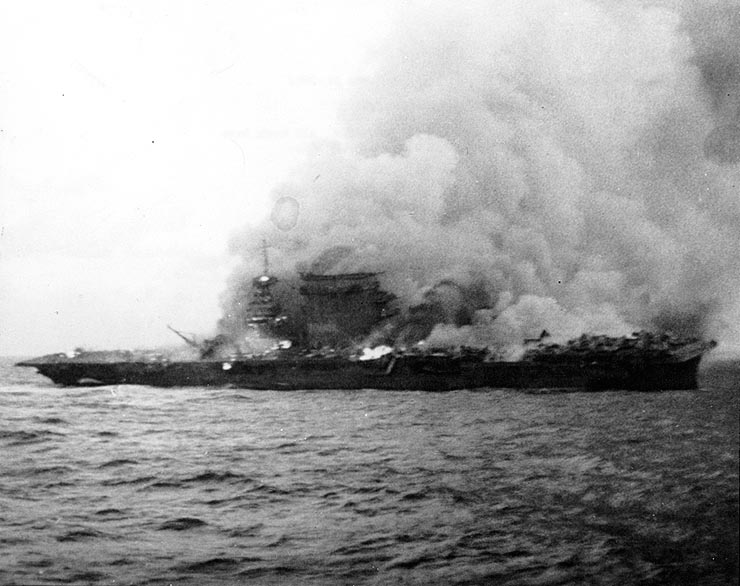 USS_Lexington_1942_05_08.jpg