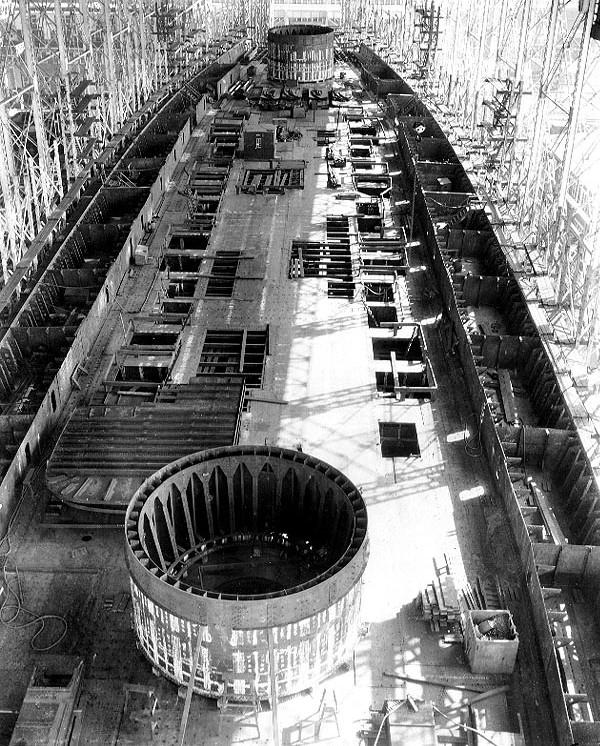 USS_Saratoga_1920.jpg