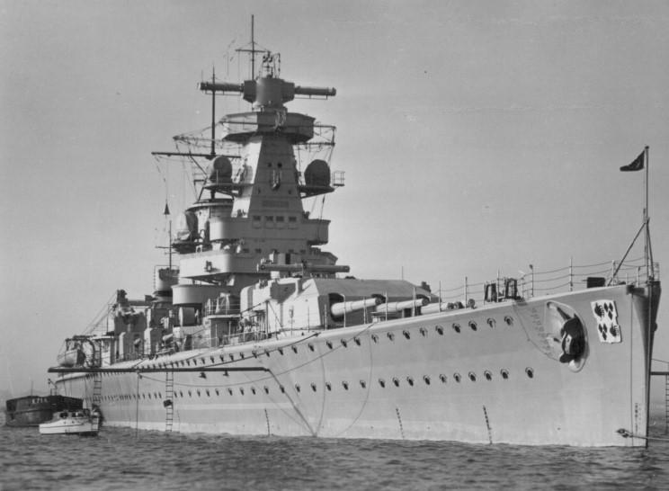 admiral_graf_spee_1937.jpg