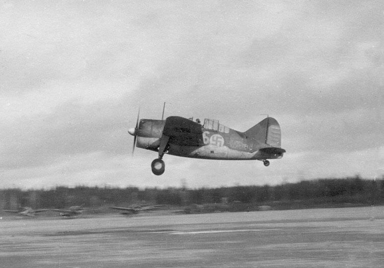Finn Brewster Model 239 vadászgép felszállás közben