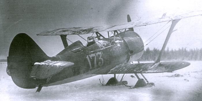 Szovjet Polikarpov I-15bis vadászgép a téli háborúban.