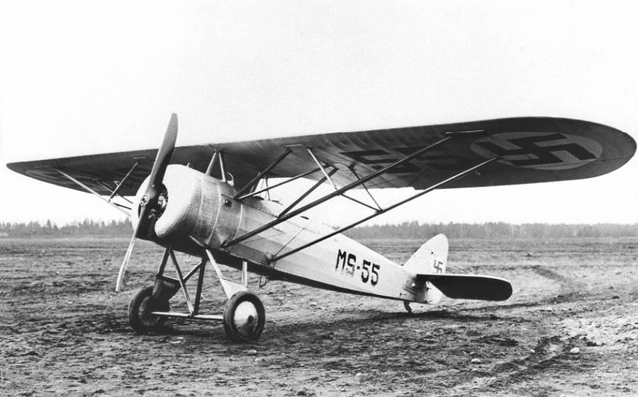 Francia gyártmányú Morane-Saulnier M.S.50C kétüléses kiképző repülőgép. 1925 és 1932 között hat darabot használt a finn légierő.