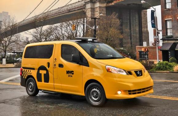 Nissan-NV200-taxi-front-three-quarter-3.jpg