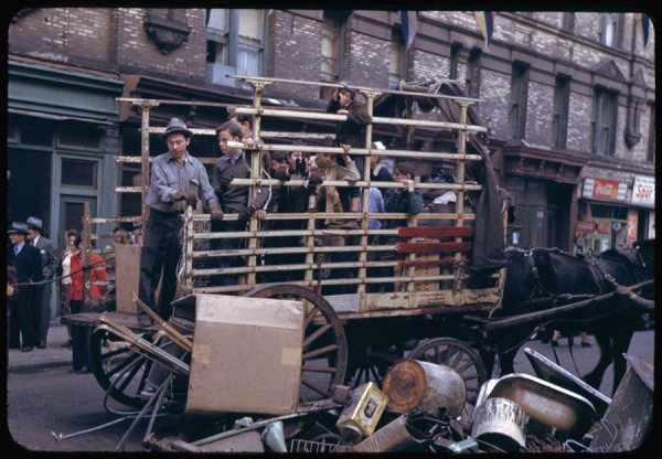 collecting-the-salvage-on-lower-east-side-1942.jpg