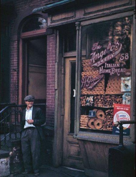 italian-bake-shop-below-canal-st-58-mulberry-st-new-york-1942.jpg