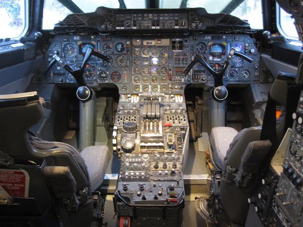 Concorde_G-BBDG_Cockpit.JPG