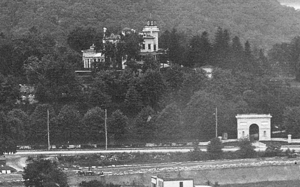 Park-Terrace-East-at-217-St-1903.jpg
