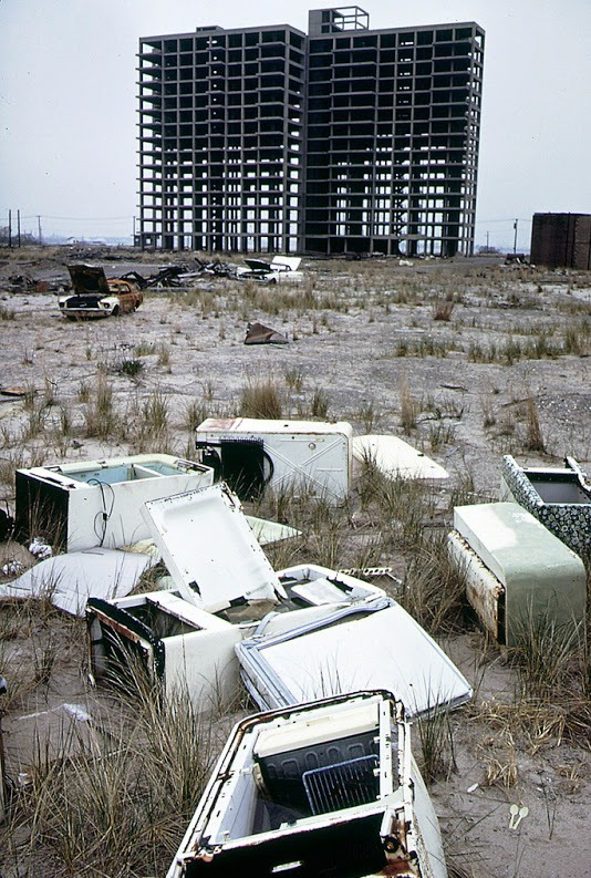 New York's Abandoned of The 1960s (12).jpg