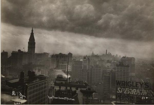 Old Photos Of A Rainy, Stormy New York City (1).jpg