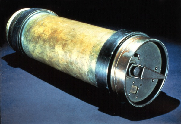 Pneumatic-Tube-New-York-City-Postal-Service-Mail.jpg