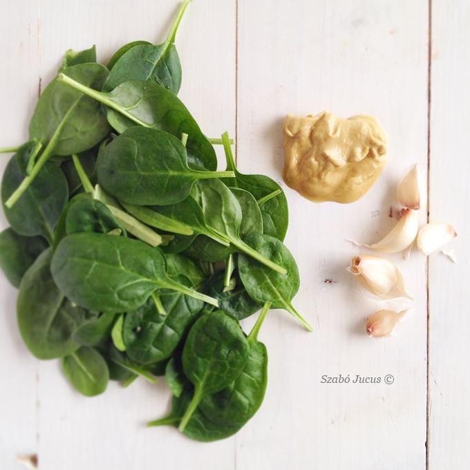 Az 'ízesítők': spenót, dijoni mustár, fokhagyma