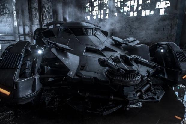 batman_vs_superman_batmobile03k.jpg