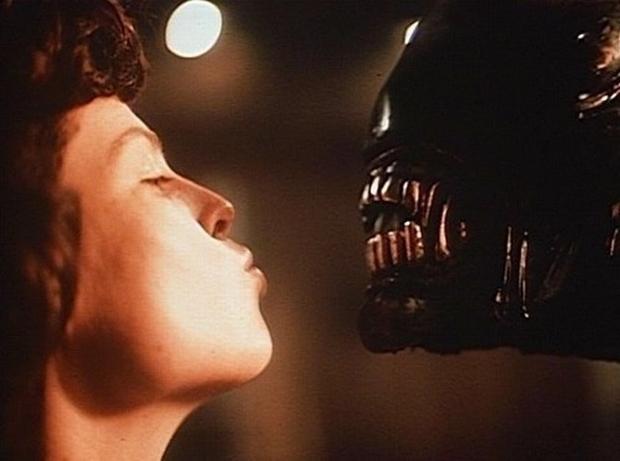 ripley_alien.jpg