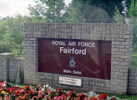 Fairford főbejárat 1993 blog.jpg