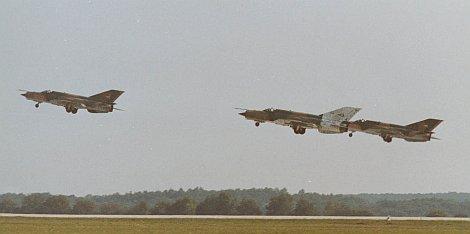 Hussars_91_Takeoff.jpg