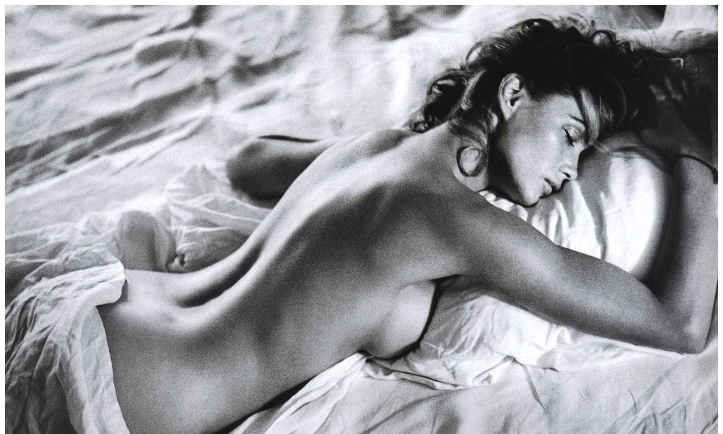 Смотреть супер эротика эмануэль 21 фотография