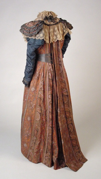 paisley_shawl_teagown_aesthetic_dress_with_watteau_style_back_1883_aberdeen_art_gallery_museums_collections.jpg