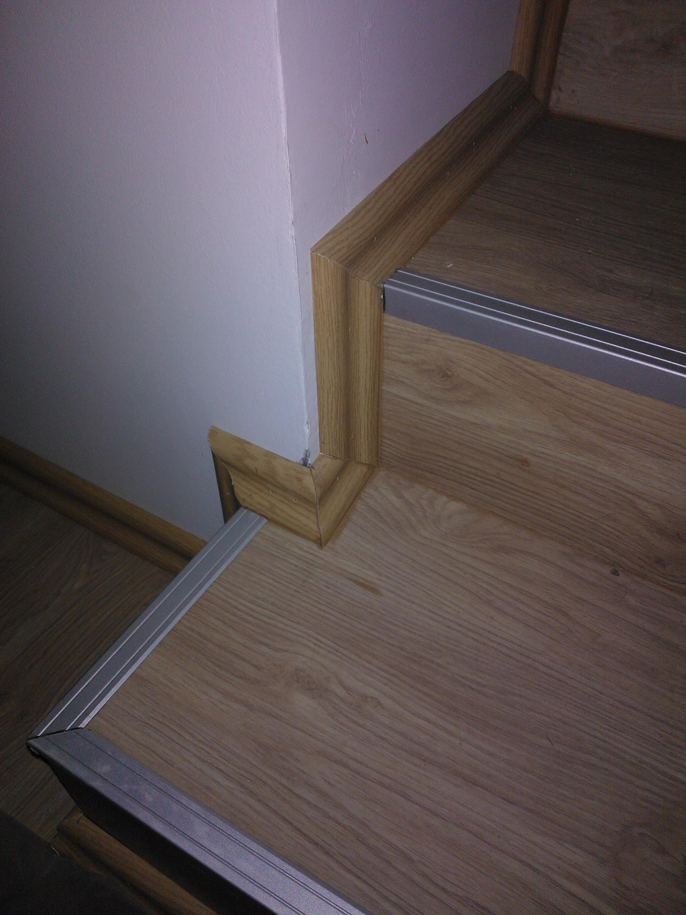 lépcső laminált padlóból Érden - Munkáink