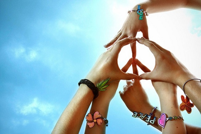 Peace-hands.jpg
