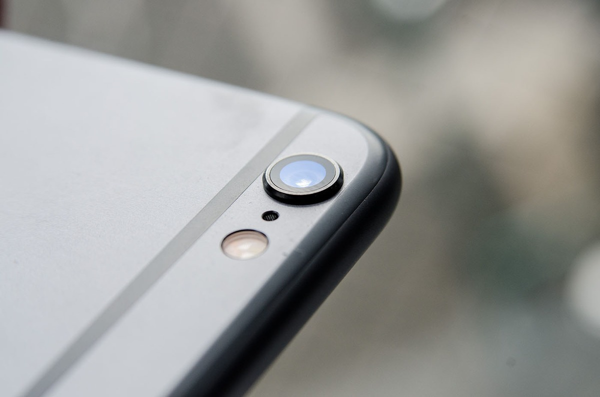 Kétlencsés iPhone: a 6s modell egyik legnagyobb újdonsága állítólag egy spéci kamera lesz, amivel sokkal jobb minőségű képek lesznek készíthetők, ráadásul az optikai zoom sem kizárt. A technológia létezik.