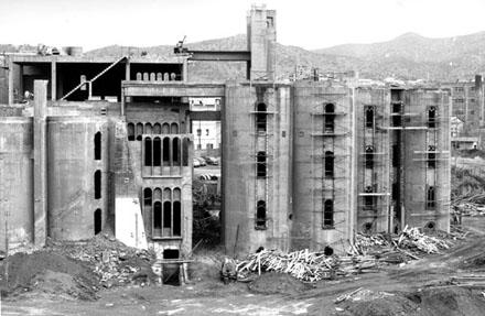 cement-factory-barcelona-ricardo-bofill7.jpg