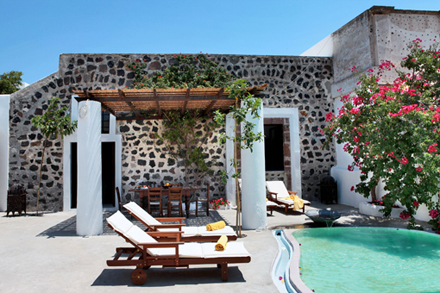 5158d6d44b16cmodern-vacation-rentals-greece-exterior-1.jpg