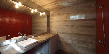 casa-levels-house-in-woods-bathroom-11.jpg