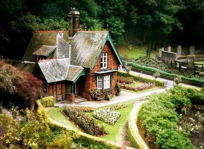fairy_tale_houses_11.jpg
