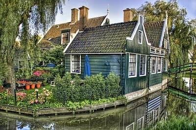 fairy_tale_houses_18.jpg