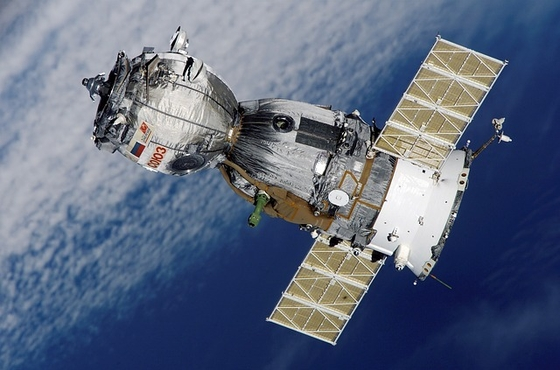satellite-67718_640-2.jpg