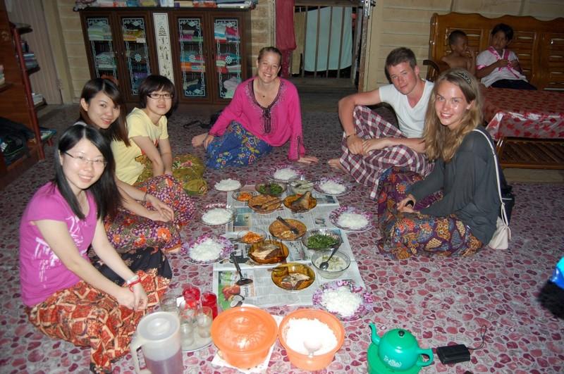 átlagos vacsora egy maláj családnál.jpg