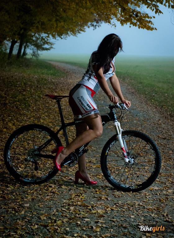 Renáta Karkulka Karkošková czech bike girl rider novatop lapierre 6.jpg
