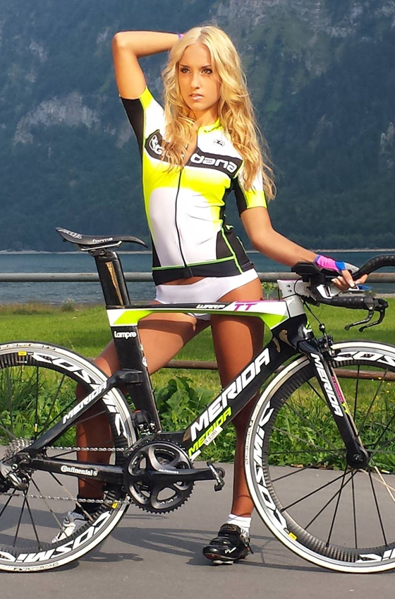 sexy cycling calendar swiss 2014 5.jpg