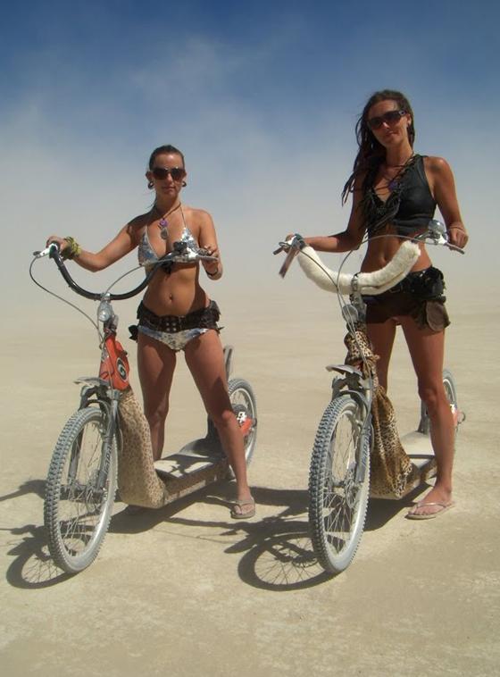 burning man bikegirls22.JPG