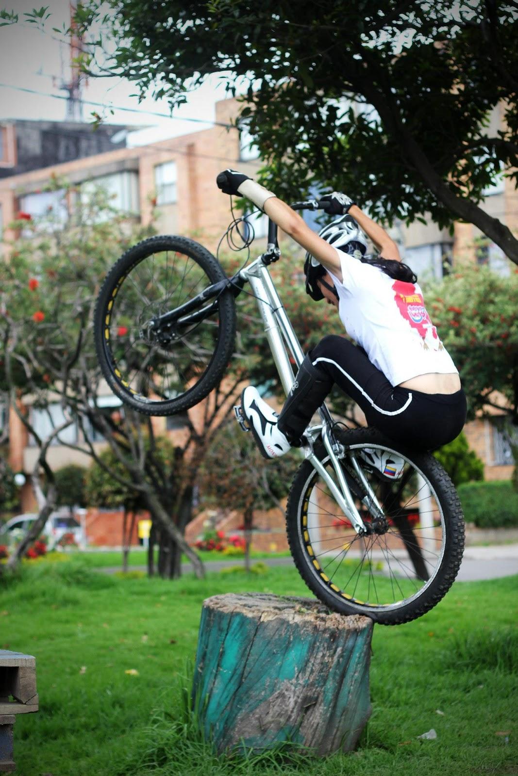 monica_guzman_trial_bikegirls.jpg