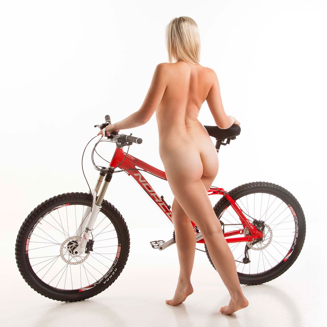 nude-muse_charlie-v_nude_with_bicycle031_1920x1080.jpg