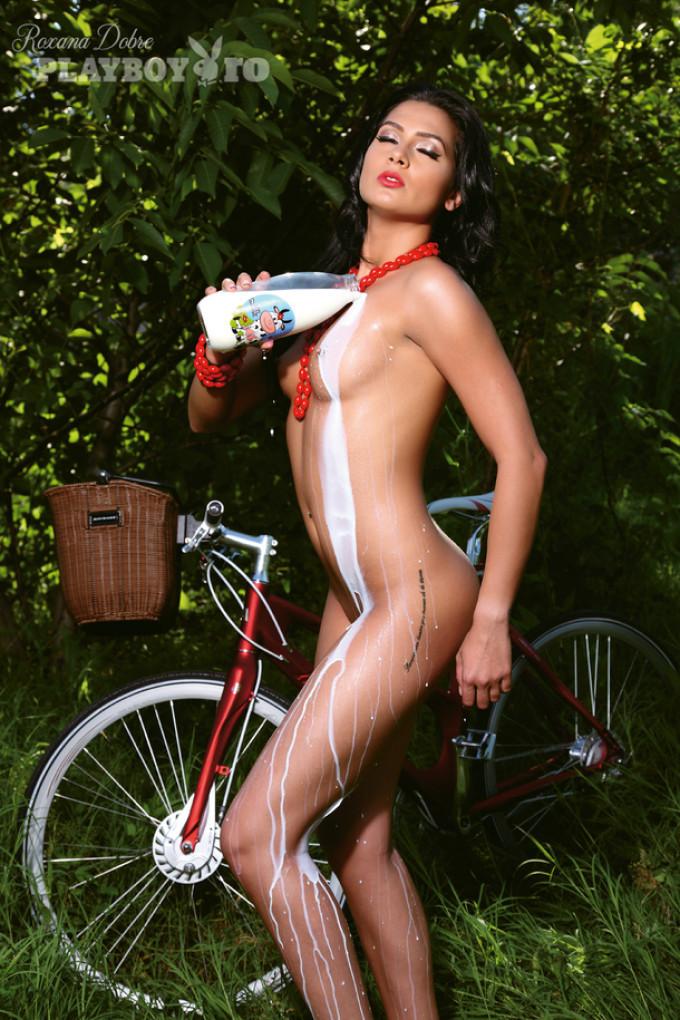 roxana_dobre_playboy_bikegirls.jpg