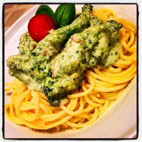 Brokkolis spagetti nyitó.JPG