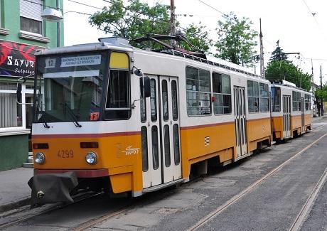12-es_villamos_(Budapest)_01_VinceBwiki.JPG