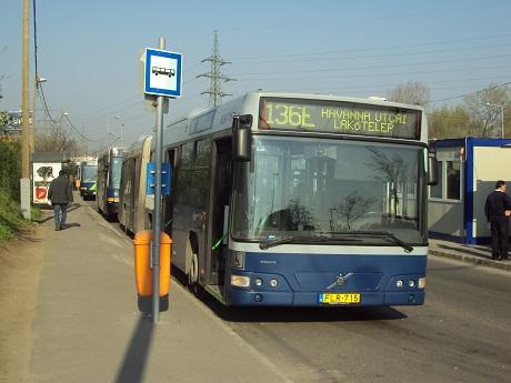 136E_busz_(FLR-715)-maximix90.JPG