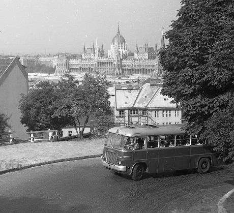 hunyadijanosutca_parlament_1964_460.jpg