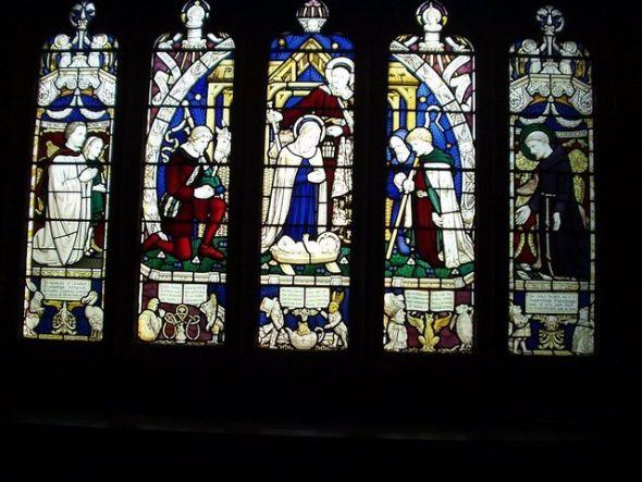 Window_commemorating_Lewis_Carroll,_All_Saints,_Daresbury_Cheshire.jpg