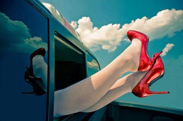 cipőautóval.jpg