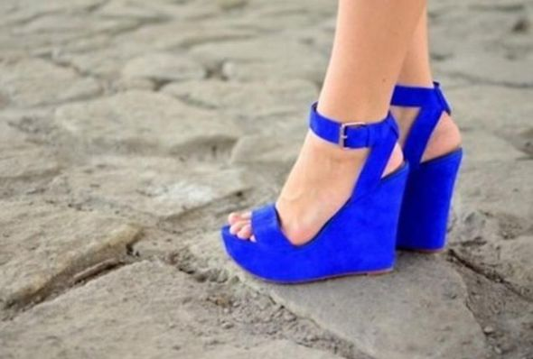 cipőkékben.jpg