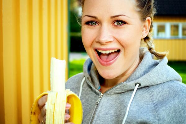 Banana-workout-woman-1-.jpg
