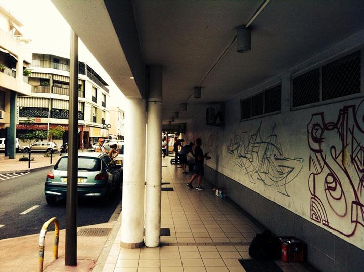 transone-tahiti-street-01.jpg