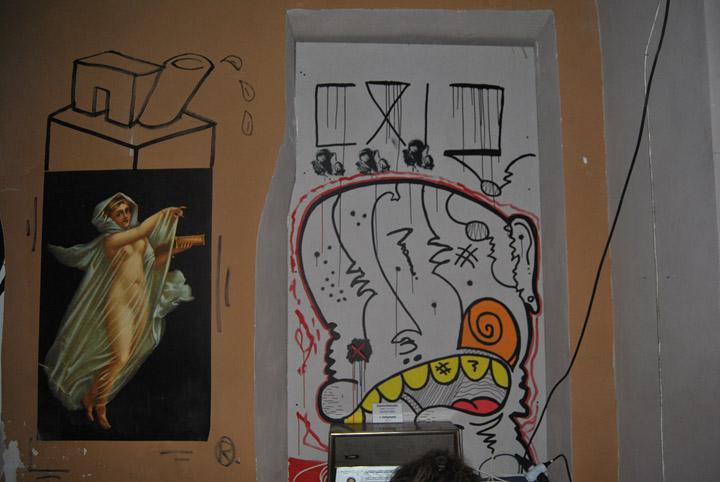 a-street-art-te-vagy-super8-04.jpg
